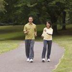 ウォーキングする人が増え、コロナ禍で健康志向に? ウォーキングやランニングが最近のトレンドに!